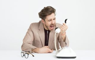 5 things to NEVER say to customers on the phone